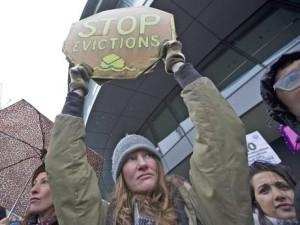 STOPP UTKASTELSER! 50 000 fattige familier er fordrevet fra London de siste tre årene.