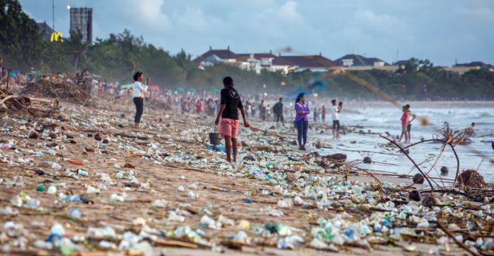 Det globale systemet for resirkulering av plast er nå brutt helt sammen